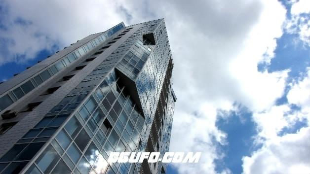 2132-大楼特写云流动高清实拍视频素材