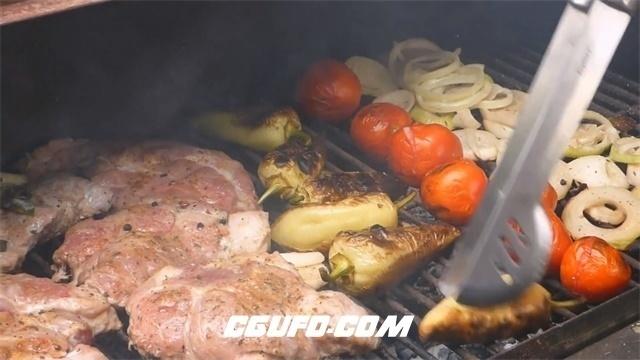 2966-烤炉烤制烤肉新鲜肉类蔬果牛排番茄洋葱美食烹饪镜头高清实拍视频素材