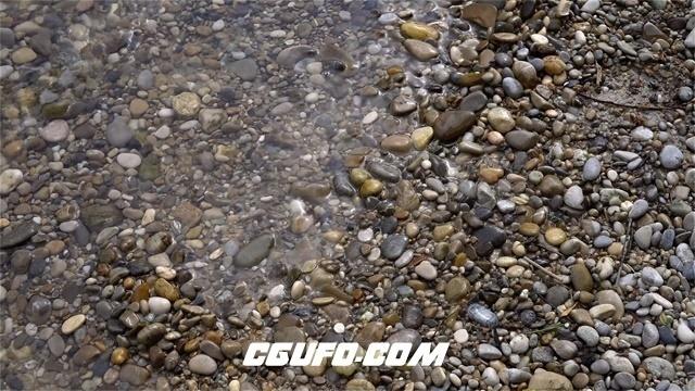 3041-清澈湖畔湖水波浪拍打奇形怪状颜色不一石春石头水运动高清视频拍摄