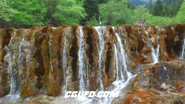 3306-壮丽森林高山间清澈水流瀑布飞流直下自然风光美景高清实拍视频素材
