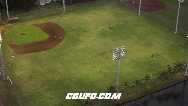 3431-4K高处视觉观赏灯光足球场人们踢球人物生活高清视频航拍视频素材