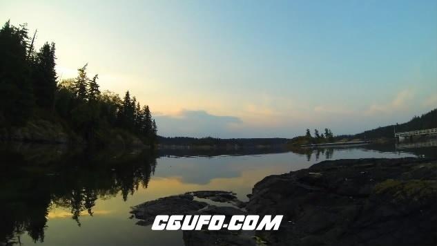 3648唯美湖泊江面蓝天白云高清实拍视频素材